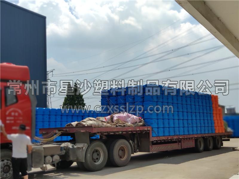 常州市星沙塑料制品有限公司-新疆乌鲁木齐浮筒发货3